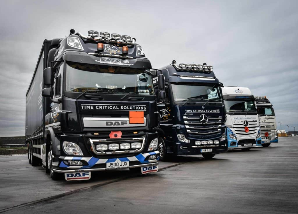 clean JJX lorries